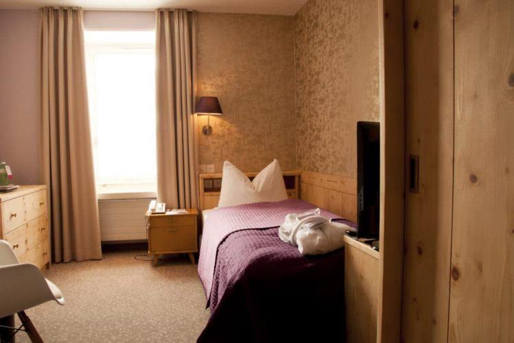 Zimmer STA 306 1